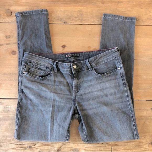 Zara Basic 1975 Gray Skinny Jeans